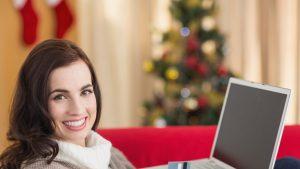 Cumpărături de Crăciun 2020: 60% dintre europeni vor alege magazinele online
