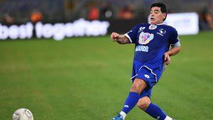 Diego Maradona a fost internat în spital. Care se simte fostul mare fotbalist