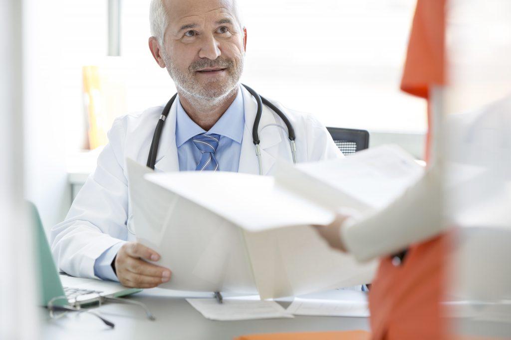 Medic de familie din Elveția: Este datoria unui doctor să trateze COVID-19. Aici, statul nu îți dă nimic
