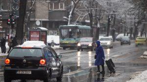 ANM: Ninsori, vânt și temperaturi de -3 grade Celsius, până sâmbătă seara, în București