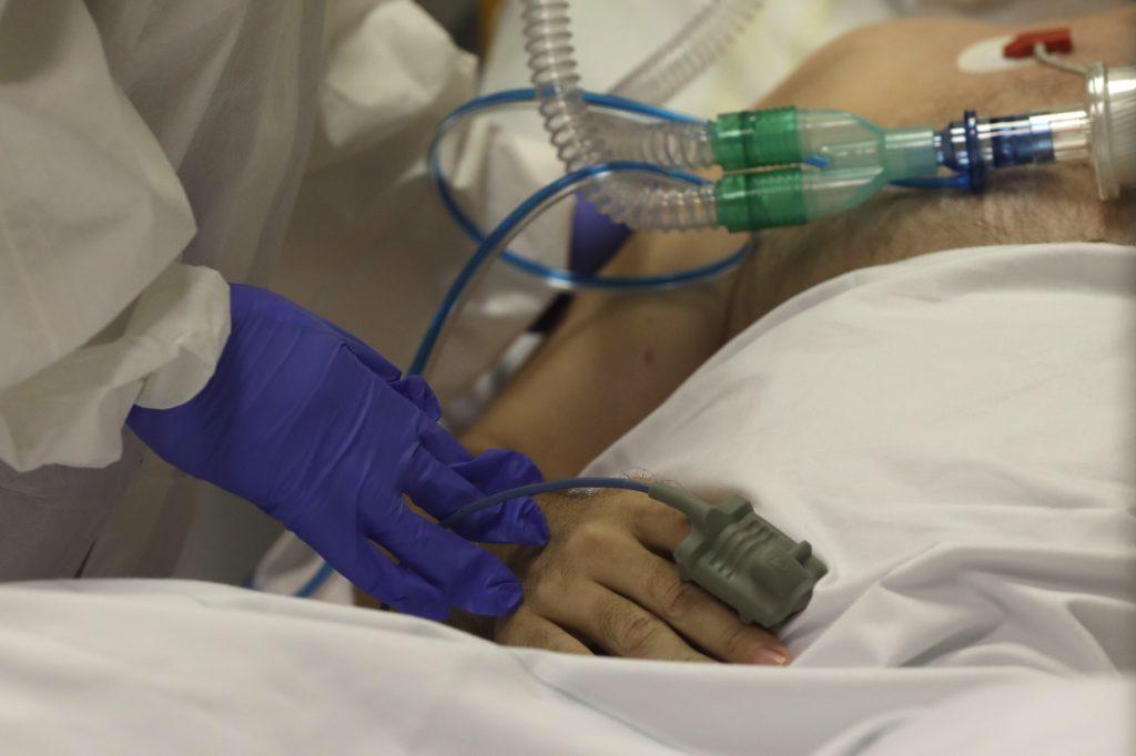 Semnal de alarmă transmis de un medic ATI: Există pericolul să nu mai avem locuri libere pentru bolnavii aflați în stare gravă