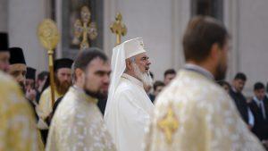 Reacția Patriarhiei Române după ce un partid politic a tipărit în scop electoral calendare creştin-ortodoxe