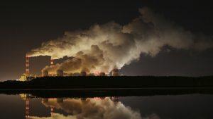 Aerul ucide în UE: Peste 400.000 de europeni au murit din cauza poluării