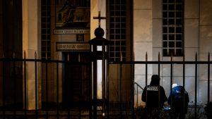 Reacțiile experților după ce un preot a fost împușcat în fața unei biserici la Lyon