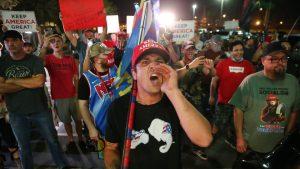 protest-arizona-trump