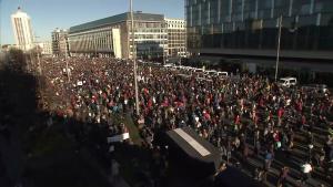 Proteste la Leipzig împotriva restricțiilor. 20.000 germani fără mască au ieșit în stradă