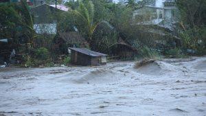 Taifunul Goni a lovit puternic Filipine, în această dimineața. Peste o mie de persoane au fost evacuate