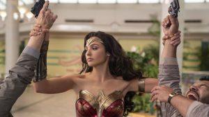 """Surpriză privind lansarea """"Wonder Woman 1984"""". IndieWire: Strategia e """"un șut direct în figura cinematografelor"""""""