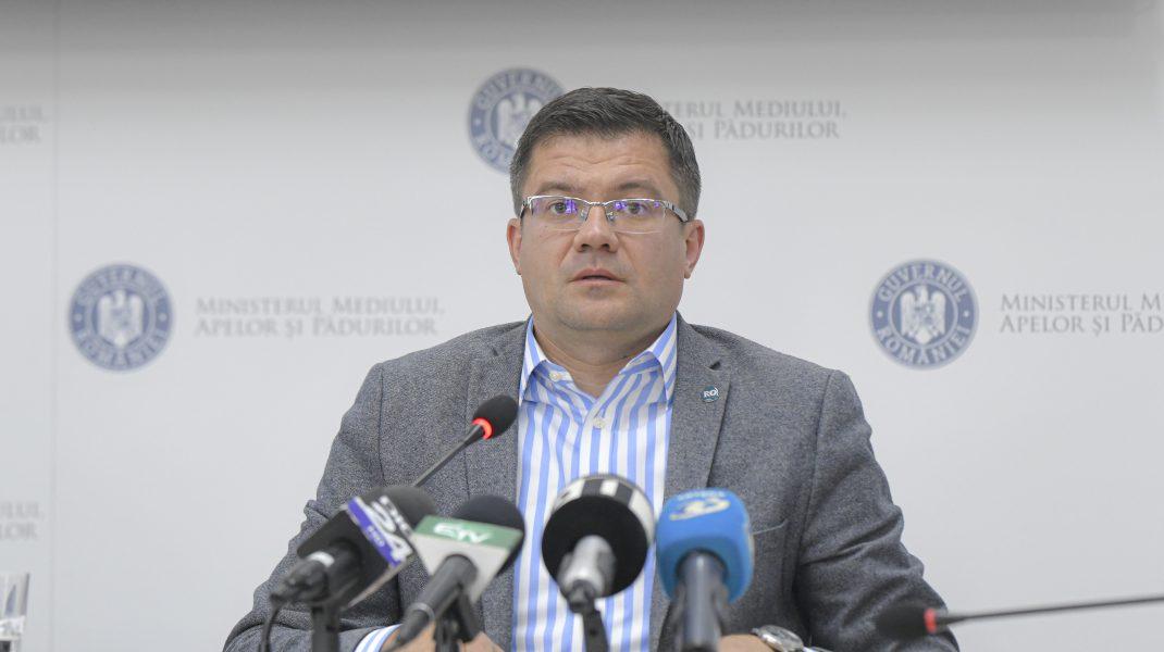 """Curg acuzațiile la """"Apele Române"""": Angajați ai companiei, muncitori la ferma lui Costel Alexe"""