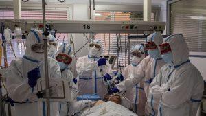 BILANȚUL ZILEI.7.661 cazuri noi în ultimele 24 de ore. 211 oameni au murit din cauza COVID-19