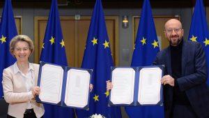 Oficialii UE au semnat acordul Brexit. Când iese oficial Marea Brutanie din Uniunea Europeană