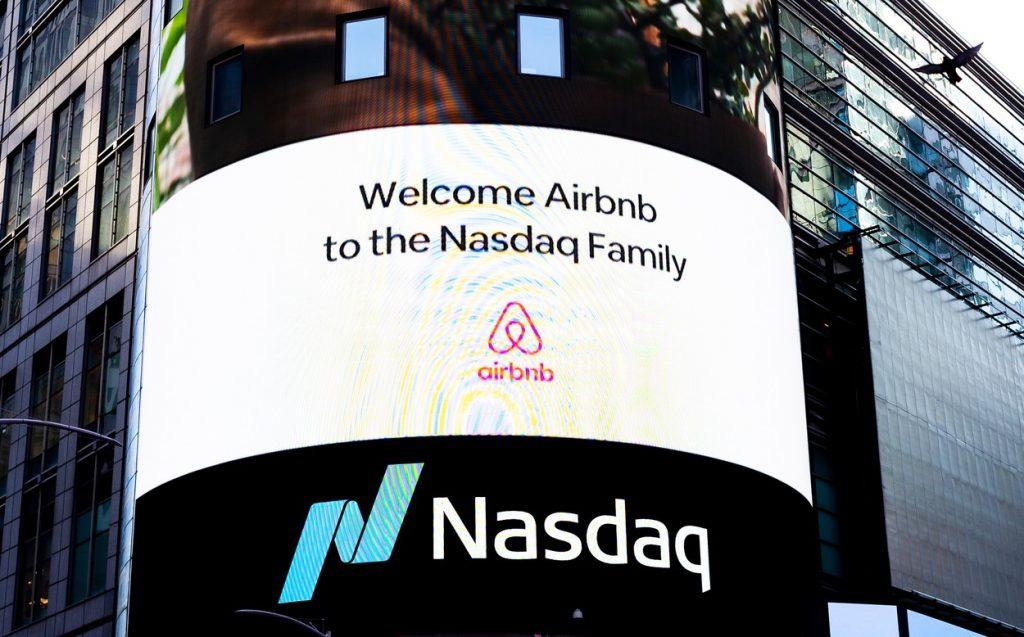 Airbnb s-a listat ieri pe bursa americană. O acțiune a crescut cu 112% în aceeași zi