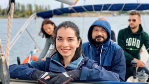 """Alexandra Ușurelu, de la muzică la cârma navelor cu motor și vele: """"Fac asta împreună cu soțul meu, pentru a merge împreună în direcţia dorită a busolei"""""""