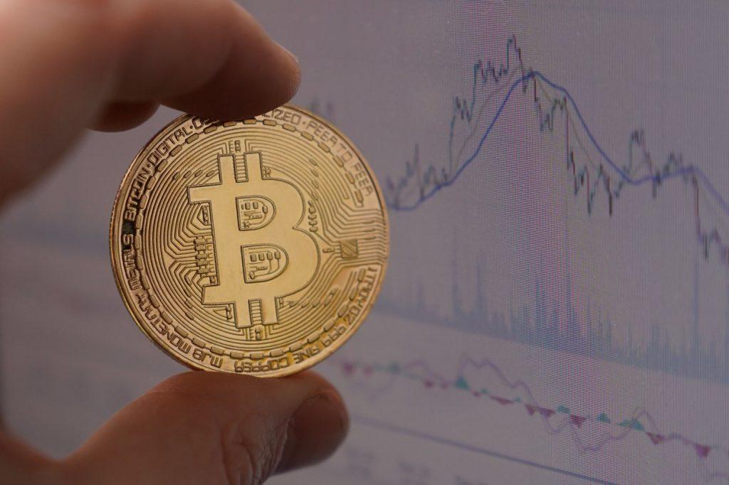Prețul unui Bitcoin trece de pragul de 20.000 de dolari, pentru prima oară