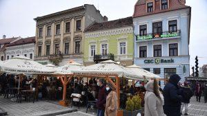 Unele restaurante din Brașov oferă 10% reducere celor vaccinați Acțiunea lansată este unică în Europa
