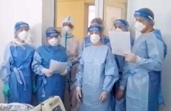 Medici, asistente și infirmiere de la Spitalul Victor Babeș și-au colindat pacienții bolnavi de Covid-19. VIDEO