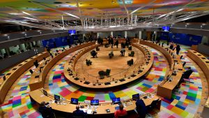 CE le recomandă statelor membre UE să permită călătoriile esenţiale în relaţia cu Marea Britanie