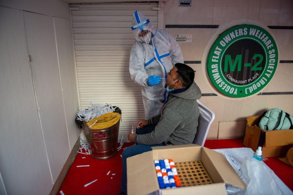 Peste 10 milioane de infectări cu SARS-CoV-2 în India