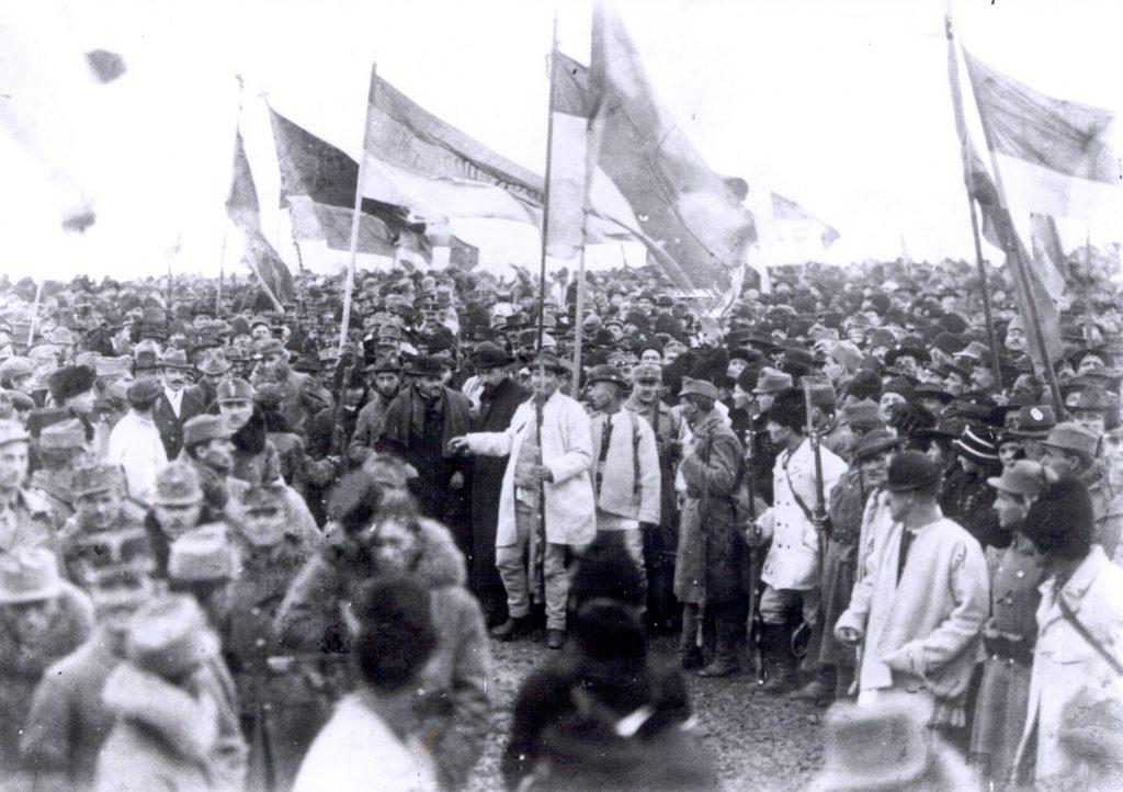 Oameni prezenți la Marea Unire din 1918