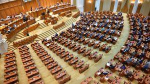 Încep negocierile între PNL, USR-PLUS și UDMR pentru formarea viitorului guvern