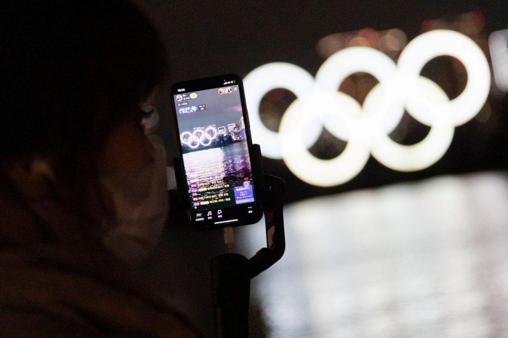 Inelele olimpice s-au întors în Golful Tokyo. Vor fi luminate în fiecare noapte