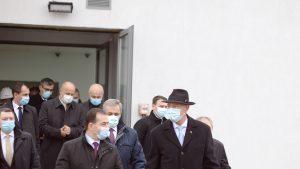 Joc de bilețele între Orban și Iohannis. Cum s-a ajuns la propunerea lui Cîțu în funcția de premier