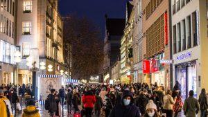 Germania vrea să închidă majoritatea magazinelor până în ianuarie, din cauza creşterii numărului de cazuri de Covid-19