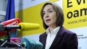 """Bugetul țării, împărțit la miezul nopții în Chișinău. Maia Sandu: """"La această oră târzie, o grupare de hoți și profitatori împart banii statului"""""""
