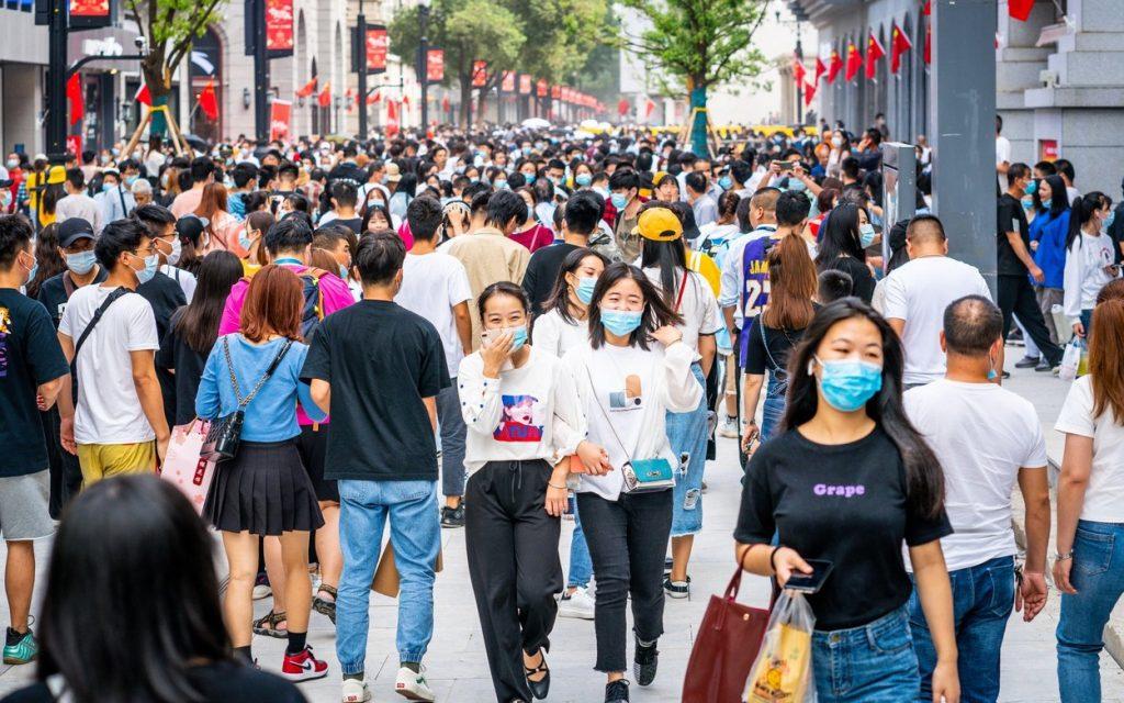 Cum a pus stăpânire virusul SARS-CoV-2 pe întreaga lume în 2020. Analiza unui an de pandemie