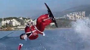 Un campion mediteranean la ski nautic a petrecut Crăciunul într-un mod inedit. Video
