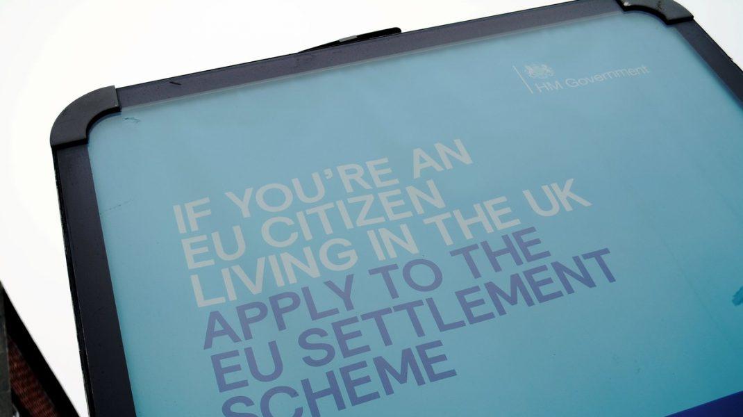 Marea Britanie: Cetăţenii UE vor primi stimulente financiare pentru a părăsi Regatul Unit