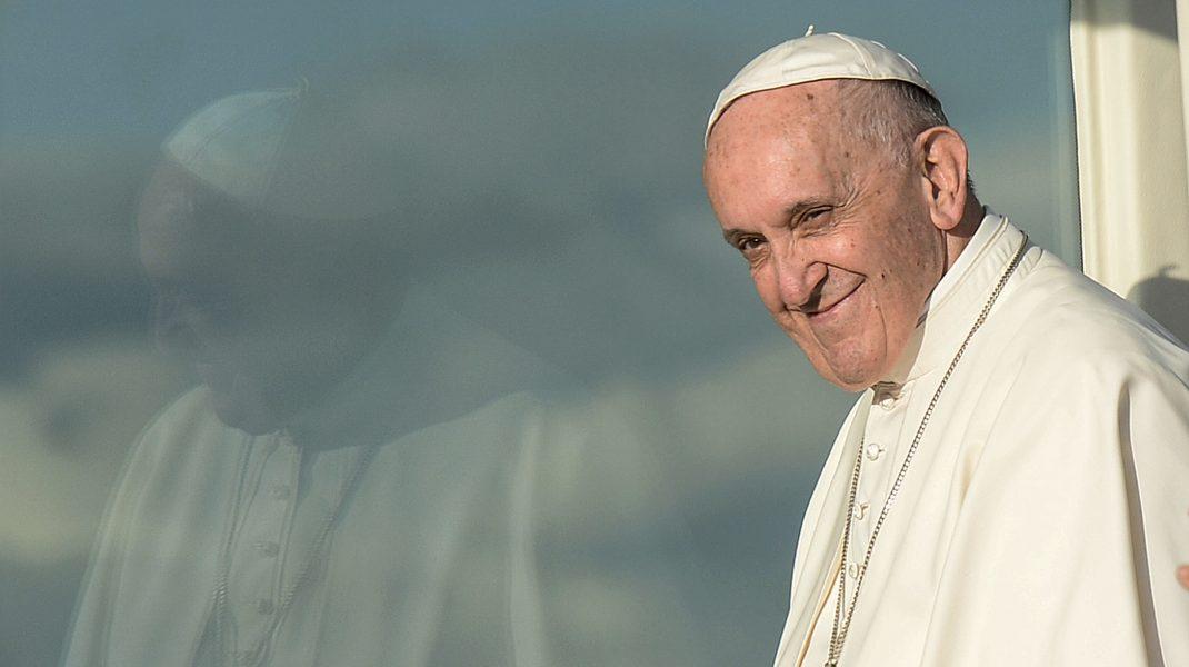 Papa a extins oficial rolul femeilor în Biserica Româno-Catolică. Ce roluri pot avea în instituție