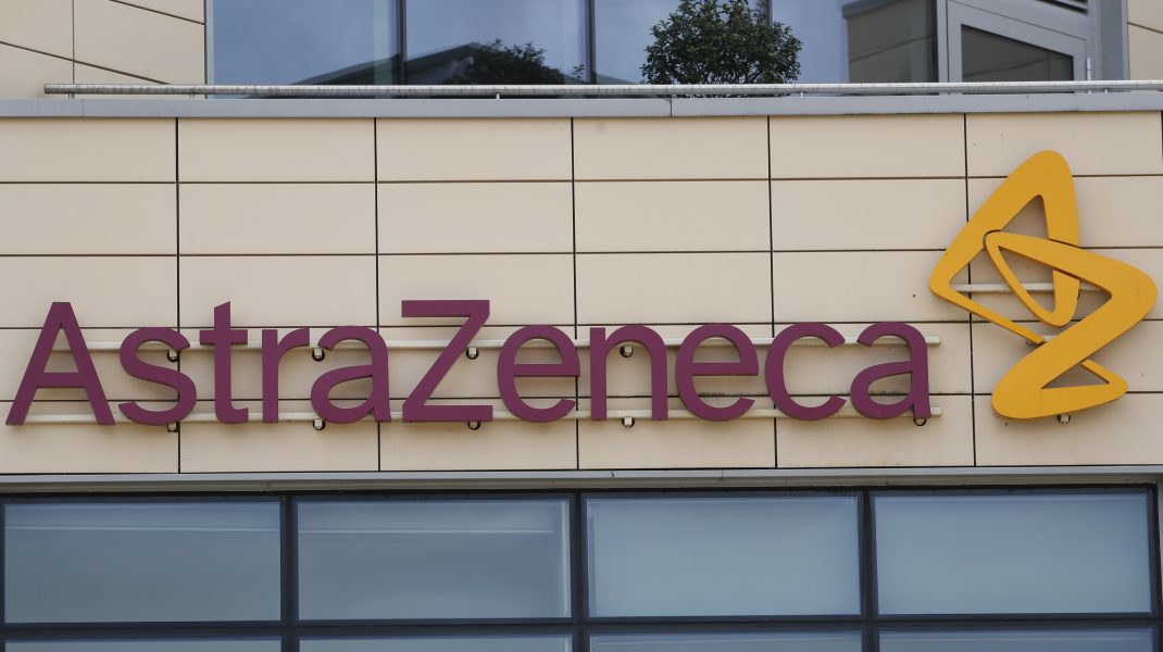 Un al treilea vaccin, dezvoltat de AstraZeneca, ar putea apărea pe piață. Se bazează pe altă tehnologie față de Pfizer/BioNTech și Moderna