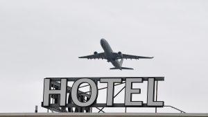 Avion, hotel