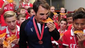 Ce mănâncă cei mai mari sportivi ai planetei când fac cheat day-uri. Pizza e mereu în capul listei pentru Roger Federer