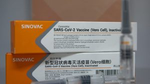 """""""CoronaVac este sfânt şi halal"""". Informația care ar putea să """"îi liniștească"""" pe musulmanii din Indonezia care urmează să se vaccineze"""