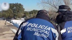 Drone cu camere de supraveghere monitorizează respectarea regulilor de carantinare, în Madrid