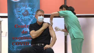 iohannis-vaccinat