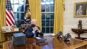 """Joe Biden, pus la zid pentru o schimbare făcută în Biroul Oval: """"E o palmă dată britanicilor"""""""