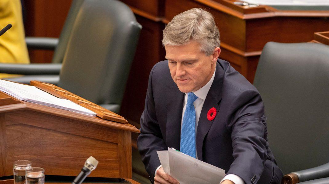 Ministrul de Finanţe din Ontario a demisionat după ce a călătorit în Caraibe în timp ce provincia era în izolare