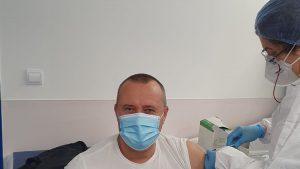 Un primar din Călărași a sărit rândul la vaccinare. A postat poza cu momentul imunizării