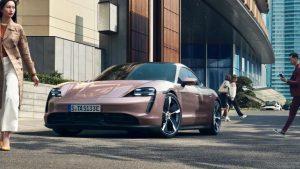 Porsche Taycan electric care atinga suta de kilometri în 5 secunde. Ce preț are bolidul