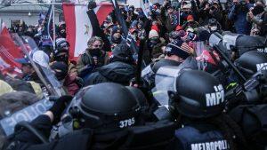 Haos la Capitoliu: Cum au reușit protestatarii americani să intre în una dintre cele mai bine păzite clădiri din lume