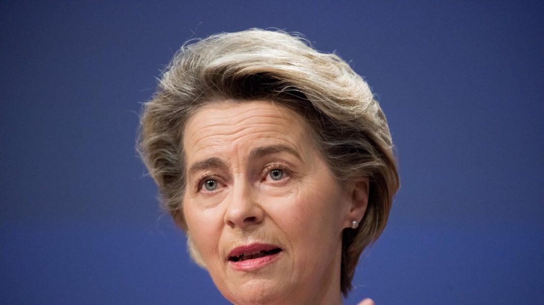 Certificatul de vaccinare pentru deplasări în Europa, respins de Klaus Iohannis, dar susținut de Ursula Von der Leyen. Poziția Franței