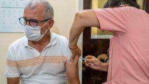 Înscrierea pentru vaccinare începe vineri, la 15.00, în București. Echipe mobile vor merge în cămine de bătrâni