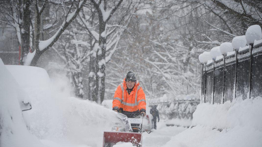 ANM: Prognoza meteo pentru perioada 8 ianuarie - 12 ianuarie 2021, în București. Duminică se va depune strat de zăpadă de maxim 10 centimetri