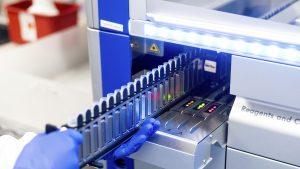 14 cazuri cu noua tulpina SARS-CoV-2, B.1.1.7, în România