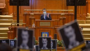 """Moțiunea simplă împotriva ministrului Sănătății. Voiculescu: """"PSD, autorul dezastrului din spitale""""."""