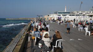 Israel încearcă să îşi repornească economia. Afacerile s-au redeschis, după relaxarea restricţiilor