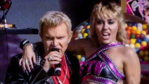 Noaptea vedetelor la Super Bowl. Miley Cyrus, Ciara sau Jennifer Lopez au fost în tribune la meciului anului din fotbalul american